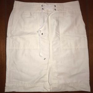 Ann Taylor White Straight Skirt Size 14 Pockets